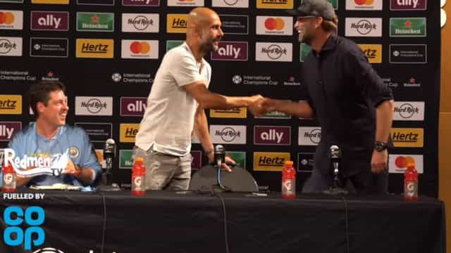 Klopp interrompe conferência de Guardiola e 'pede'... Mourinho