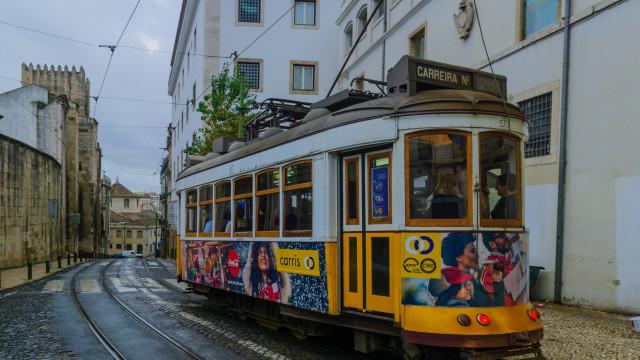 Davide Cali escreveu uma história de apaixonados num elétrico de Lisboa