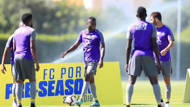 """Após dois meses, Mbemba tem regresso à vista: """"Graças a Deus"""""""