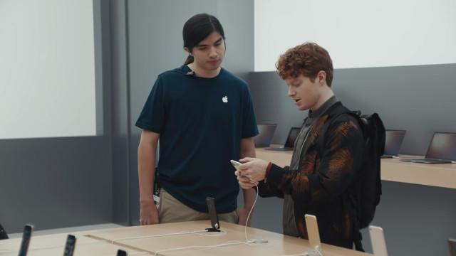 Samsung volta 'à carga' com anúncios a provocar Apple