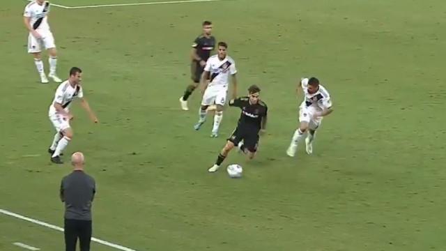 Estreia para esquecer na MLS. André Horta entra e comete erro tremendo