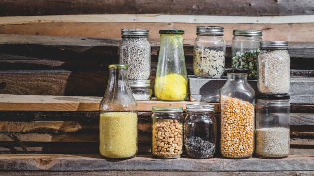 Deixe-se de desperdícios e faça os alimentos lá de casa durar mais