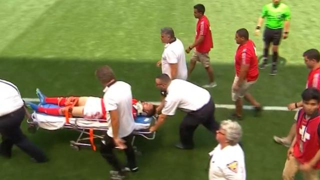 Facundo Ferreyra com traumatismo craniano após choque com Jardel