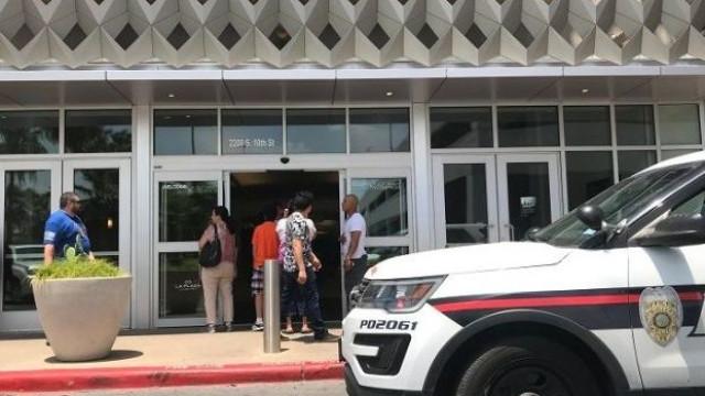 Tentativa de assalto em centro comercial no Texas. Suspeitos detidos