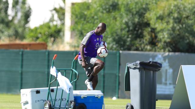 Otávio e Danilo falham regresso do FC Porto aos treinos
