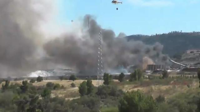 Bombeiros combatem incêndio junto à Celtejo