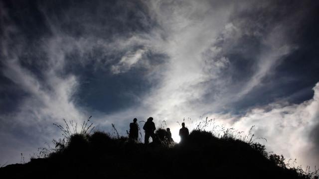 Mais de 500 montanhistas presos no Monte Rinjani após sismo na Indonésia