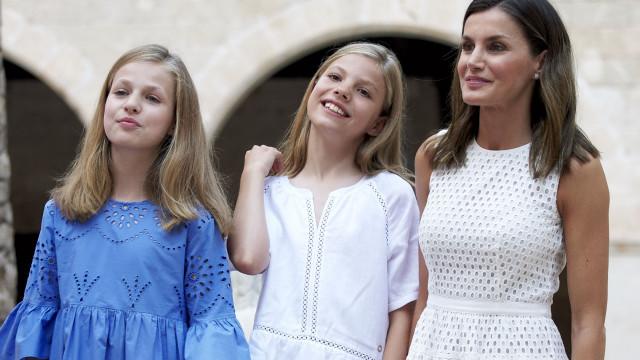 Rainha Letizia de Espanha foge à 'regra' na escolha do seu look