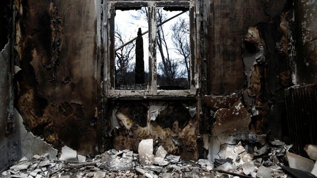 Casas afetadas por fogos em Arouca, Paiva e Monção vão ser reabilitadas