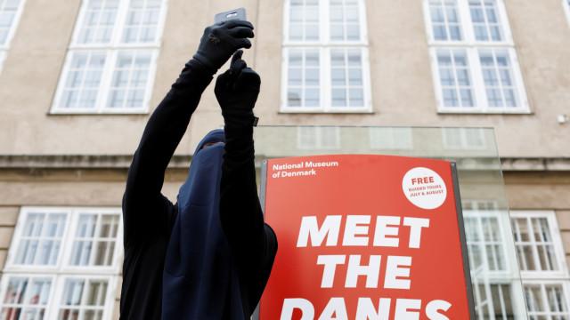 Na Dinamarca, há muçulmanas preparadas para desafiar lei que proíbe véu
