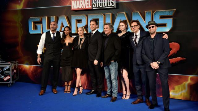 Elenco de 'Guardians of the Galaxy' sai em defesa de realizador