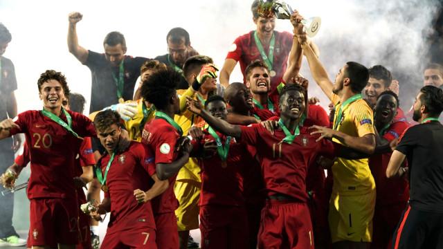 Campeões da Europa de sub-19 já aterraram em Lisboa