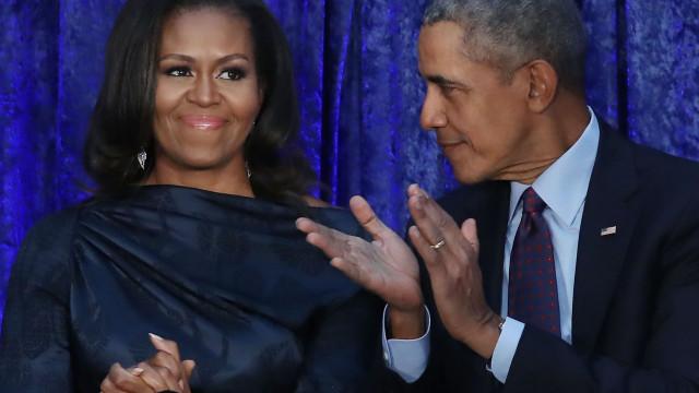Barack e Michelle Obama 'apanhados' a dançar ao som de Beyoncé e Jay-Z