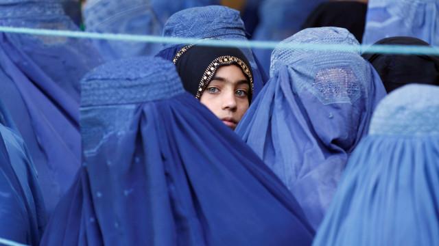 Noiva de nove anos assassinada pelo marido no Afeganistão