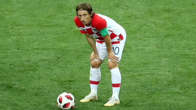 Inter tenta 'seduzir' Modric com cláusula de fuga... para a China