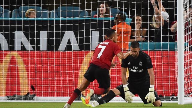 Mourinho 'azeda' a estreia de Lopetegui no Real Madrid
