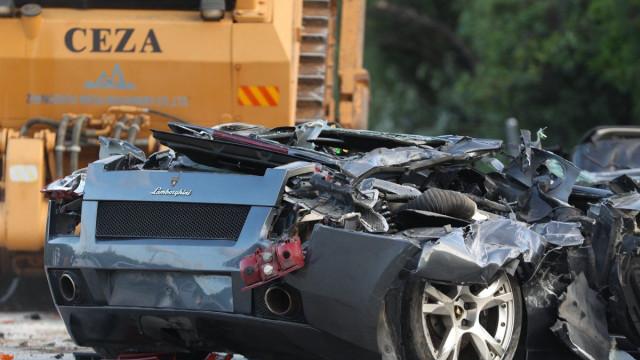 Duterte destrói carros de luxo contrabandeados no valor de 4,7 milhões