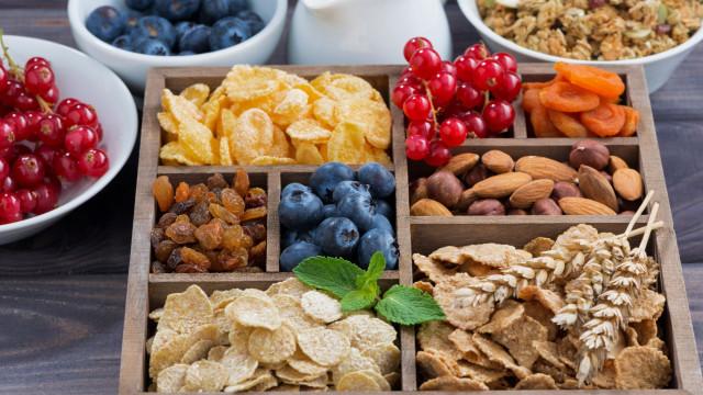 É isto que comer fibra faz ao seu corpo (e à sua mente)