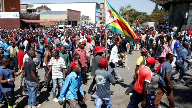 UE denuncia desigualdades eintimidação de eleitores no Zimbabué