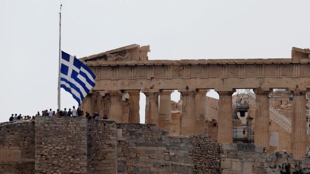 Grécia: Familiares de vítimas mortais dos incêndios processam autoridades