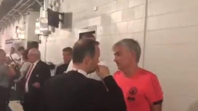 Ingleses questionam conversa entre Mourinho e o vice-presidente do United