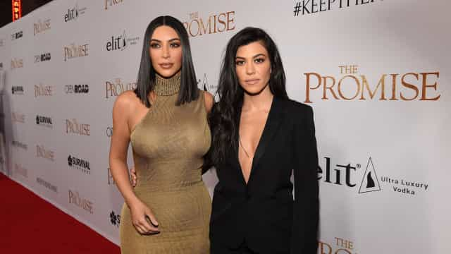 """Kim Kardashian furiosa com Kourtney: """"Não sabes o que é um trabalho"""""""