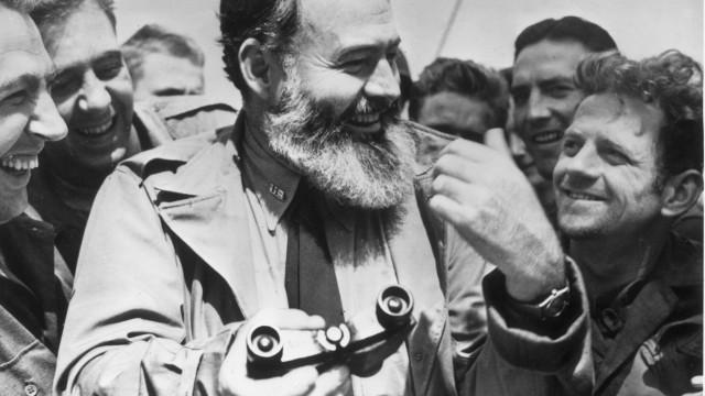 Textos de Hemingway escritos em 1956 vão ser publicados pela primeira vez