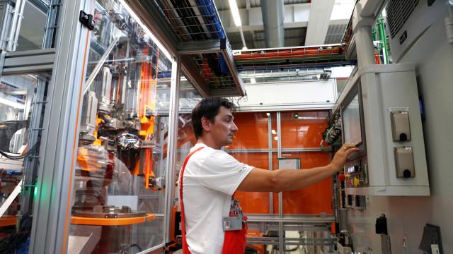 Portugal com 3.º maior recuo mensal na produção industrial de setembro