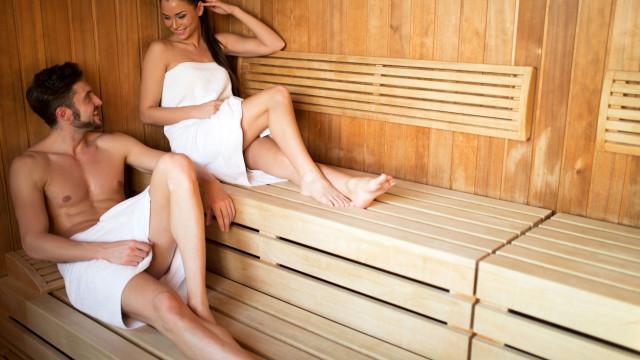 Saiba o que uma ida regular à sauna faz ao seu corpo e humor