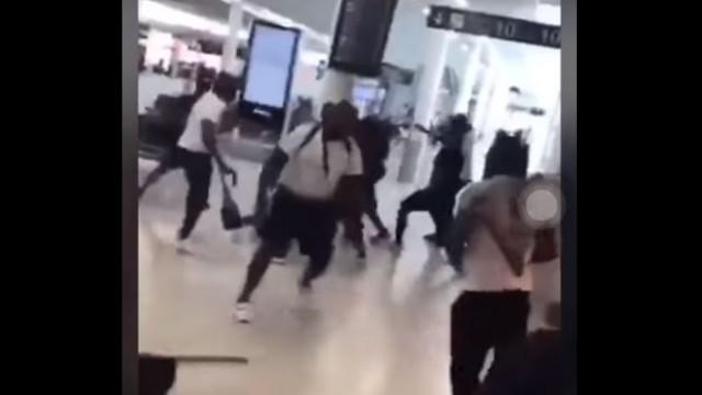Rappers lutam em aeroporto francês e causam o pânico