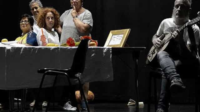 Peso da idade, doenças urbanas e crescimento no festival em Palmela
