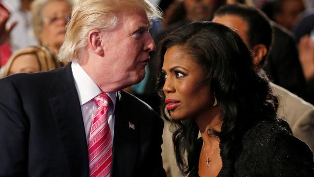 Ex-assessora de Trump denuncia que querem silenciá-la