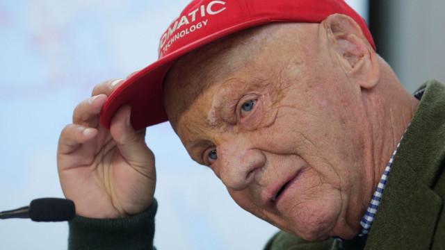 Niki Lauda foi submetido a um transplante de pulmão