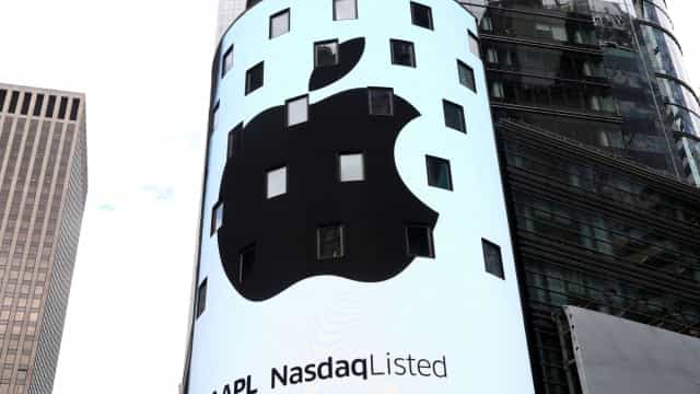 A mensagem de Tim Cook depois de a Apple atingir marco histórico
