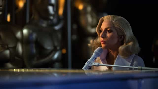 "Lady Gaga sobre crises mentais: ""Apagava por instantes. Via flashes"""