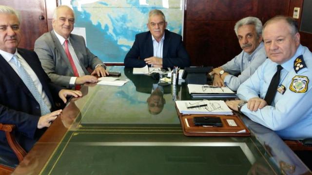 Ministro da Ordem Pública da Grécia demite-se devido a incêndios