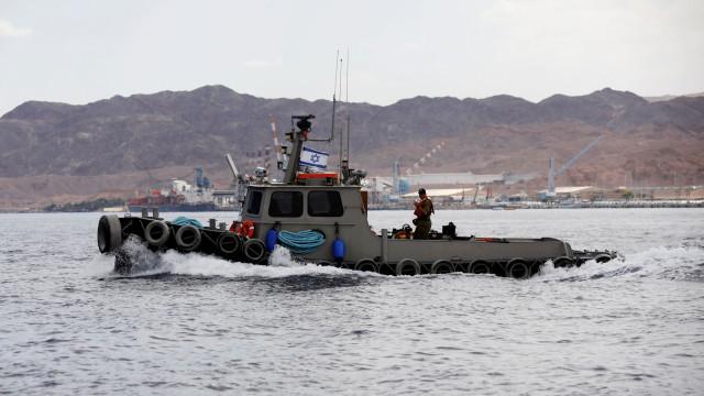 Israel interceta barco de ativistas que tentou furar bloqueio