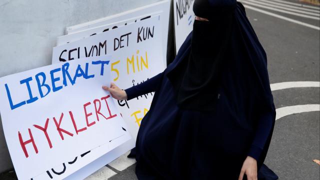 Na Dinamarca já se multa por uso de véu islâmico em público