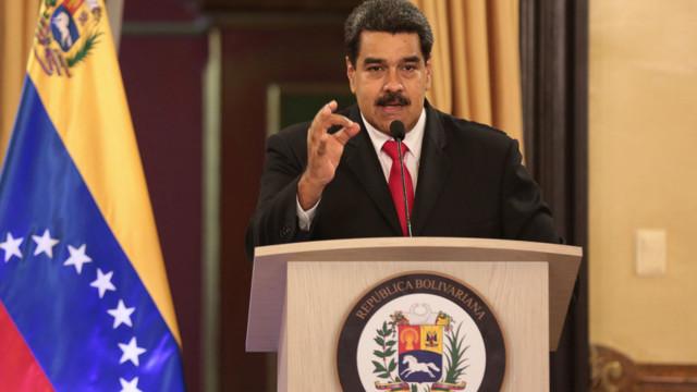 Sete feridos em atentado que governo garante que visava Maduro