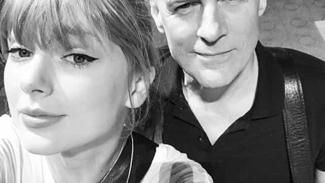 Vídeo: Bryan Adams junta-se a Taylor Swift para o grande 'Summer of 69'