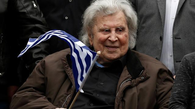 Compositor grego Mikis Théodorakis hospitalizado