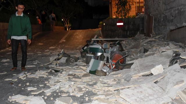 Sobe para 19 o número de mortos no sismo na Indonésia