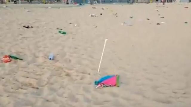 Já viu como ficou a praia de Carcavelos depois de um dia quente de verão?