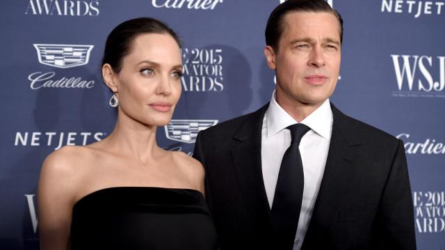 """Brad Pitt está a """"rezar"""" para que divórcio com Angelina Jolie termine"""