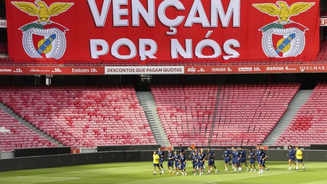 Benfica procura a 'Luz' dos milhões frente a convidado de boa memória