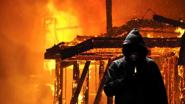 Incendiário detido em Olhão. Foi a sexta vez que ateou fogo em casa