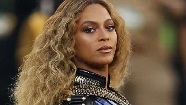 Beyoncé encontra-se com antiga colega da banda Destiny's Child