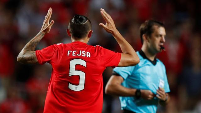 Em dia de aniversário, Fejsa jogou limitado e Vitória explicou porquê