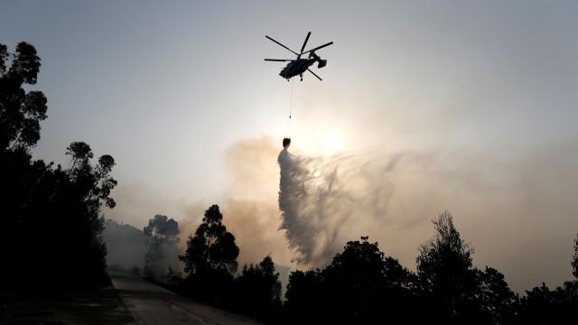 Proteção Civil confirma que helicópteros não usam retardantes
