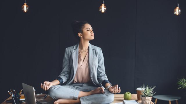 A estratégia mental que o pode ajudar a ser bem-sucedido numa negociação